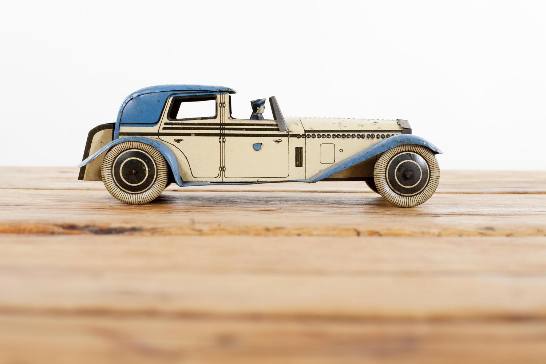 Tinplate clockwork car