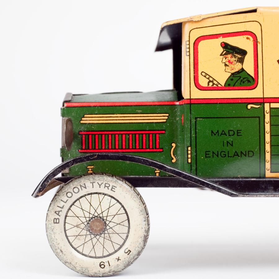 Wells of London tinplate clockwork van