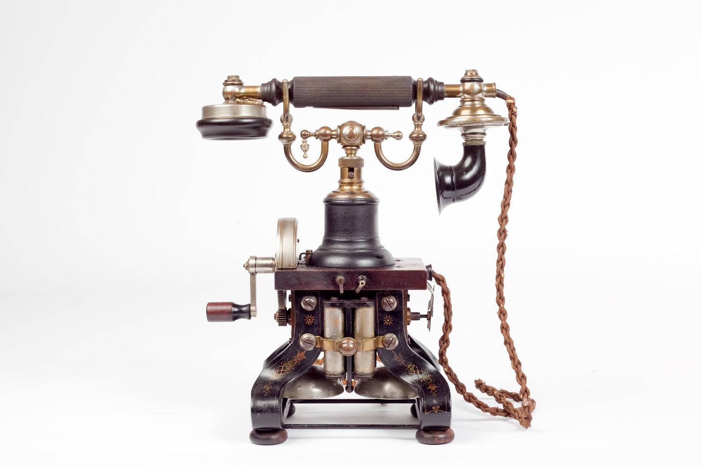 Ericsson 'Sekelton' telephone